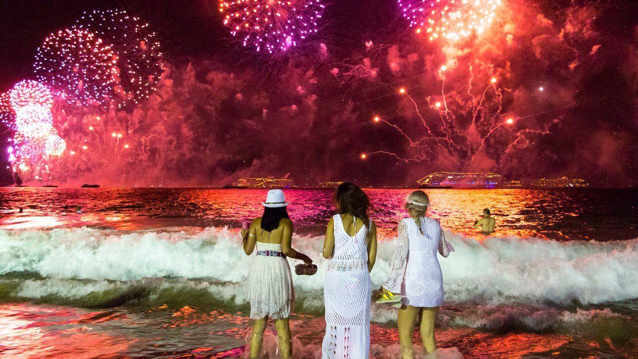 https://blog.ruralvia.com/wp-content/uploads/2018/12/celebraciones-fin-de-año-1280x720.jpg
