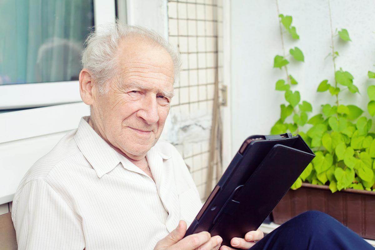 Digitalizar a los mayores de 55 años que residen en zonas rurales, el reto de Expertclick
