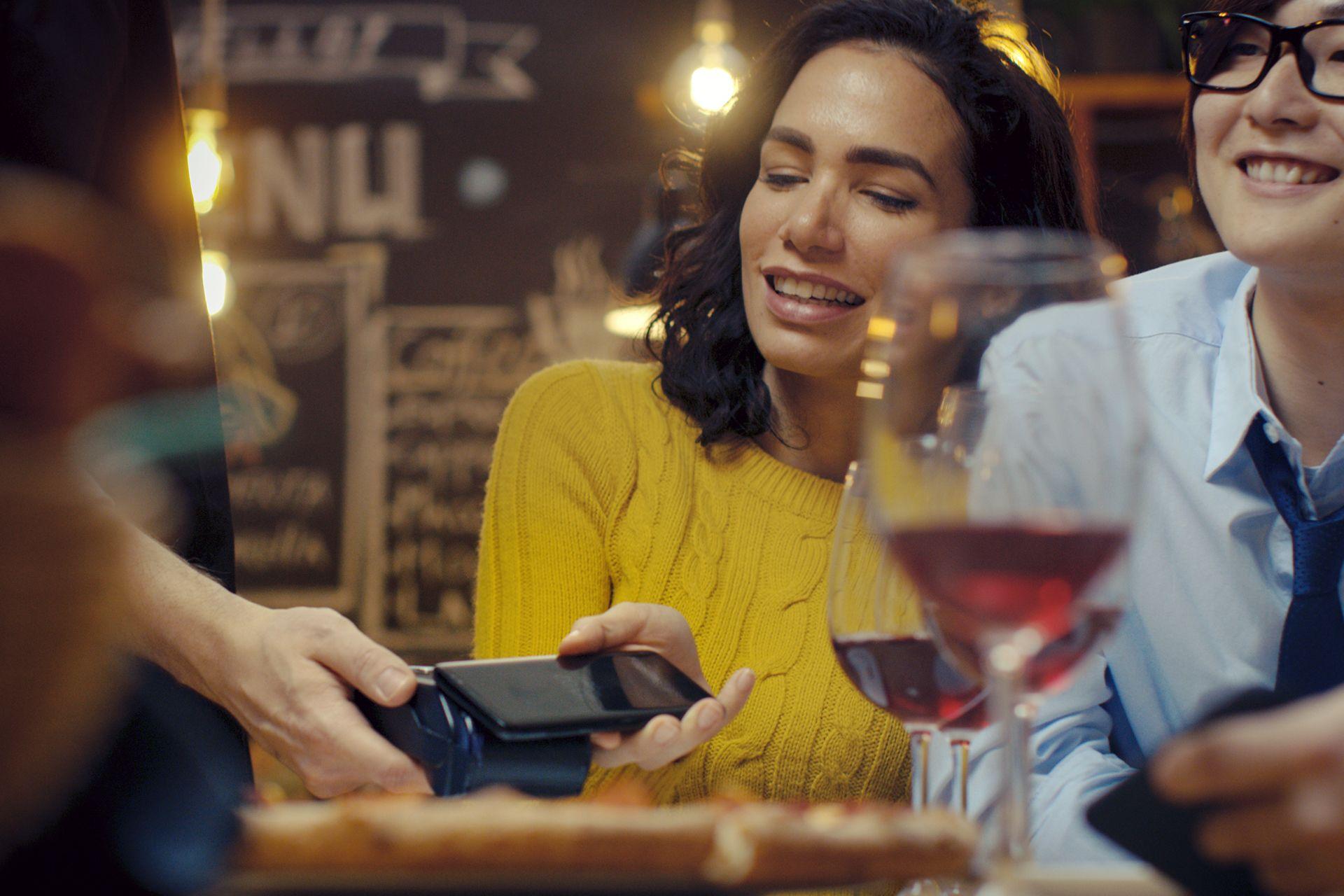 ¿Cómo pagar con el móvil con total seguridad? Con ruralvía