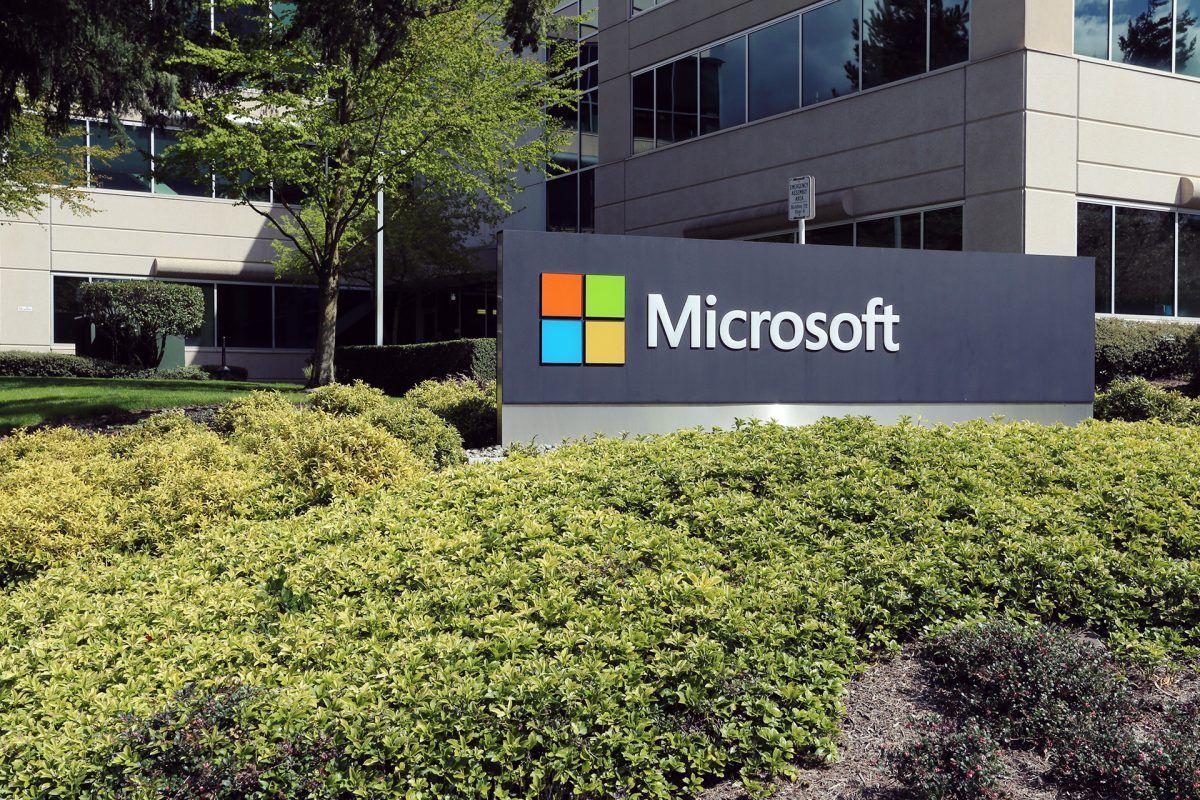 Microsoft cambia de estrategia y destrona a Apple