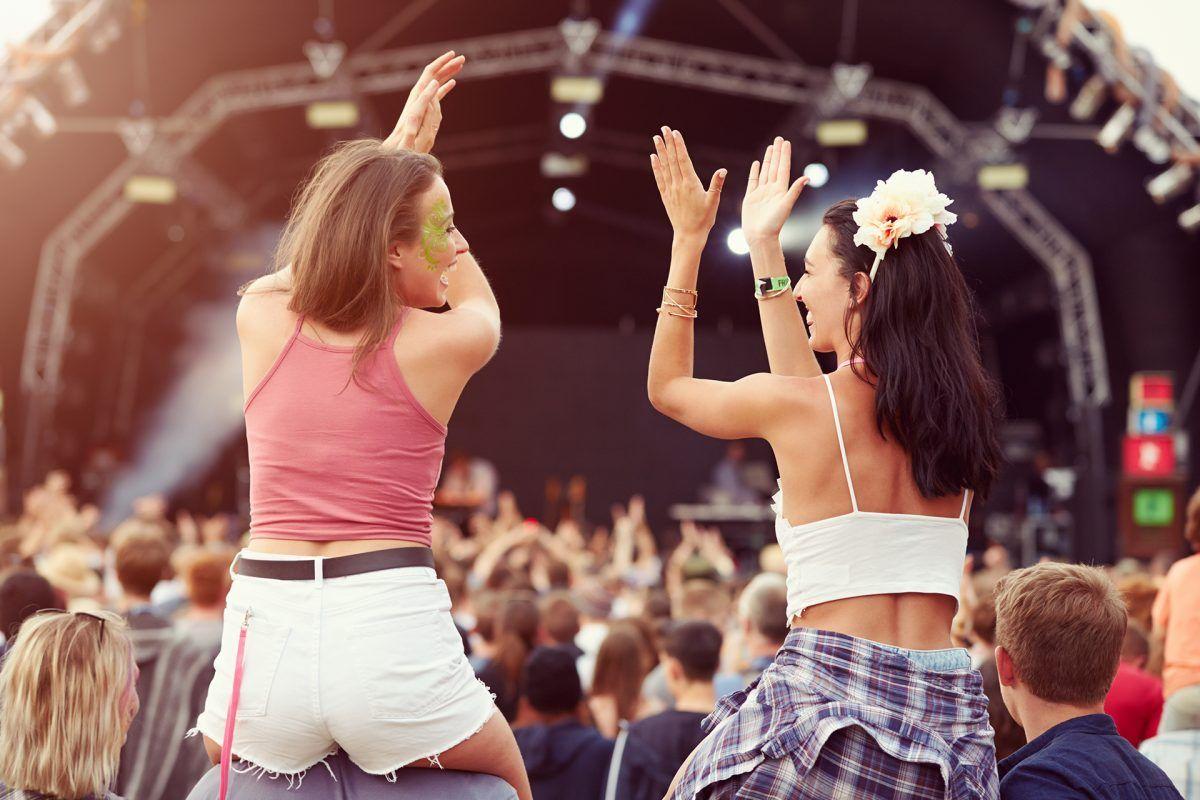En tus próximos festivales de música ahórrate el efectivo