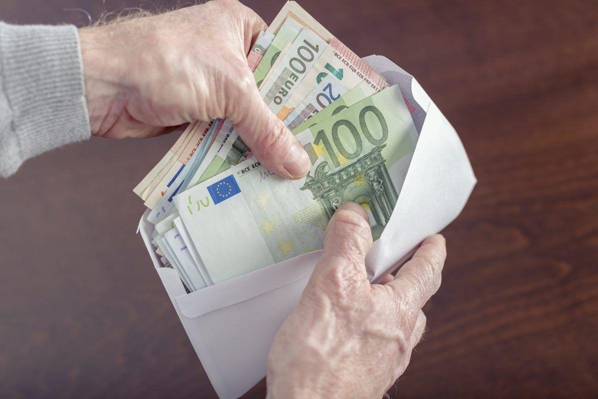 El nuevo método de ahorro: solo necesitas seis sobres