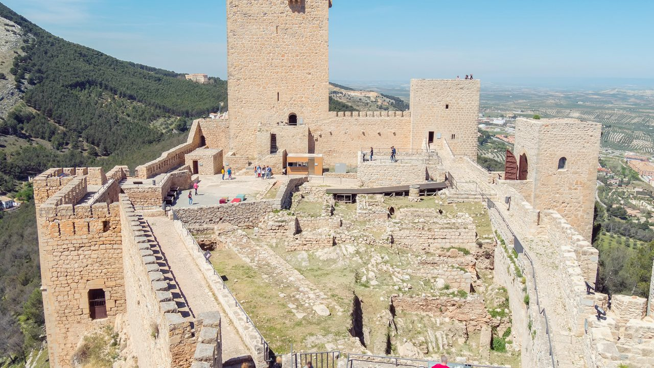 https://blog.ruralvia.com/wp-content/uploads/2019/10/La-historia-de-las-ciudades-más-antiguas-1280x720.jpg
