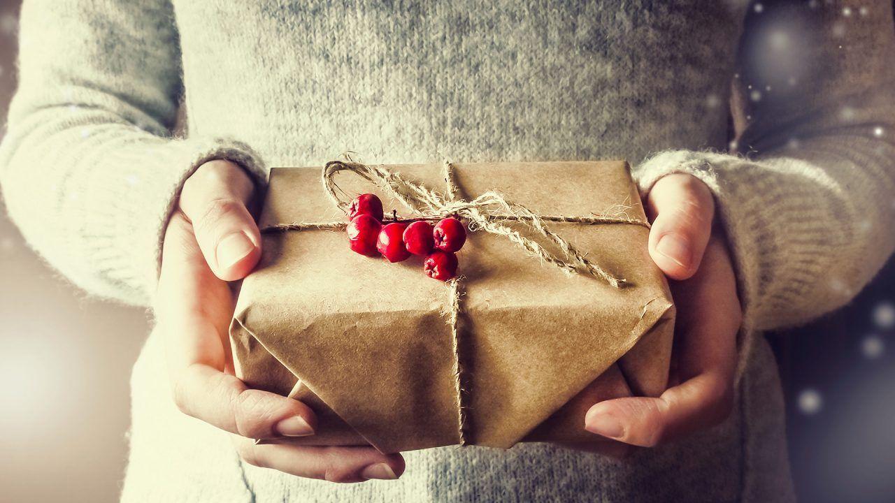 https://blog.ruralvia.com/wp-content/uploads/2019/12/ahorra-planificnado-regalos-en-navidad-1280x720.jpg