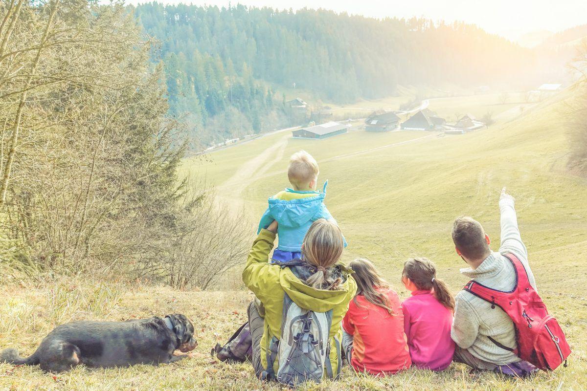 Trucos para ahorrar si eres familia numerosa en España