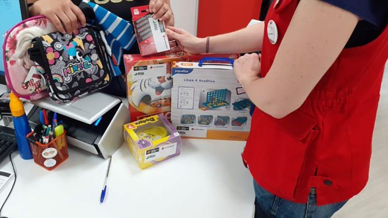 https://blog.ruralvia.com/wp-content/uploads/2020/07/donacion-juguetes-banco-cooperativo-rsi-cruz-roja-seguros-rga-1.jpg
