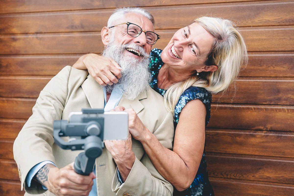 Cómo ayudar a las personas mayores a utilizar la tecnología