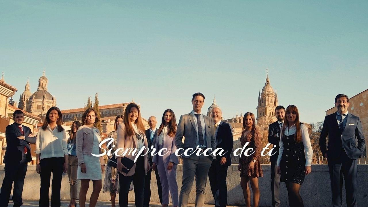 https://blog.ruralvia.com/wp-content/uploads/2021/05/caja-rural-salamanca-empleados-3.jpg