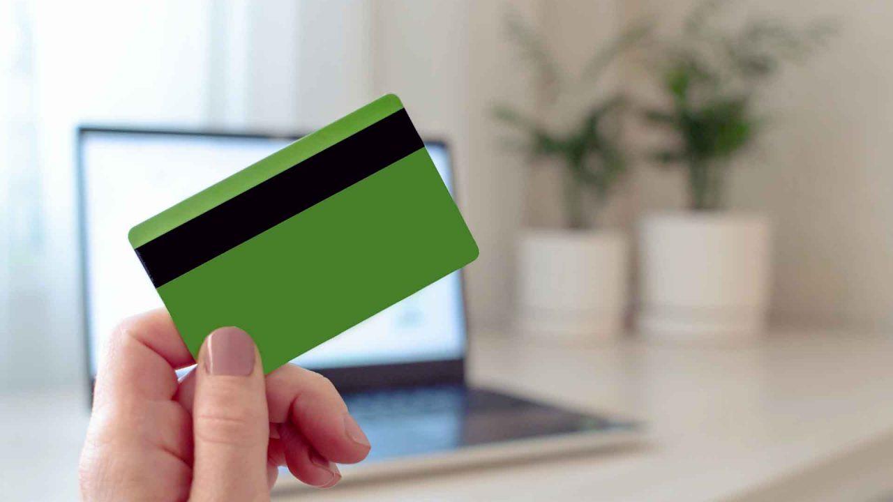 https://blog.ruralvia.com/wp-content/uploads/2021/05/tarjetas-de-credito-recicladas-1280x720.jpg