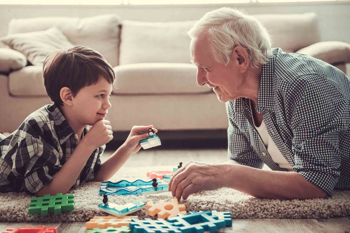 Pásalo en grande con tus abuelos haciendo estos planes divertidos