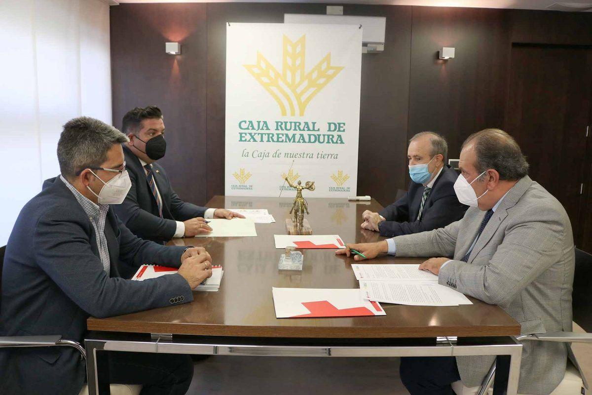 Más de 1.700 personas se beneficiaron de los proyectos de empleo de Cruz Roja cofinanciados por Caja Rural de Extremadura en 2020
